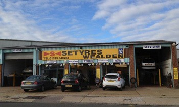 Setyres Hailsham East Sussex offer tyres, servicing, brakes, air conditioning, shocks, exhausts, batteries, major repairs, diagnostics and tracking