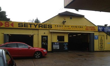 Setyres Heathfield East Sussex offer tyres, servicing, brakes, air conditioning, shocks, exhausts, batteries, major repairs, diagnostics and tracking