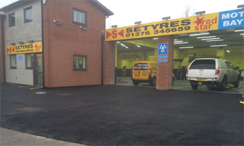 Setyres Braintree Essex offer tyres, servicing, brakes, air conditioning, shocks, exhausts, batteries, major repairs, diagnostics and tracking
