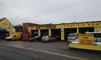 Setyres Dorchester Dorset offer tyres, servicing, brakes, air conditioning, shocks, exhausts, batteries, major repairs, diagnostics and tracking