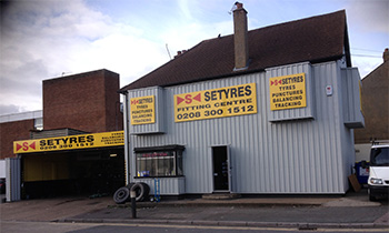Setyres Foots Cray Kent offer tyres, servicing, brakes, air conditioning, shocks, exhausts, batteries, major repairs, diagnostics and tracking