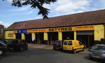 Setyres Maidstone Kent offer tyres, servicing, brakes, air conditioning, shocks, exhausts, batteries, major repairs, diagnostics and tracking
