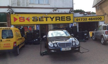Setyres Sevenoaks Kent offer tyres, servicing, brakes, air conditioning, shocks, exhausts, batteries, major repairs, diagnostics and tracking
