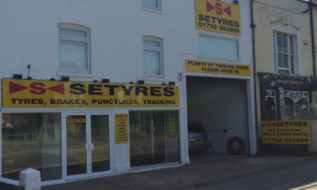 Setyres Tonbridge Kent  offer tyres, servicing, brakes, air conditioning, shocks, exhausts, batteries, major repairs, diagnostics and tracking