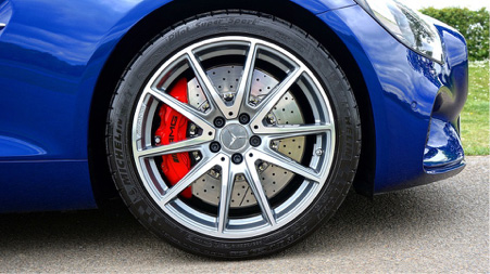 Thanks to their specialist tread design, high performance tyres deliver premium sports capabilities
